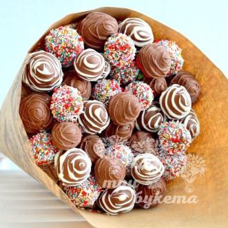 buket-iz-37-klubniki-v-shokolade